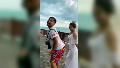 新娘居然说摄影师的屁股很有弹性!