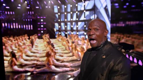 一段惊艳的表演秀,76个美女用长腿征服观众,主持人嘴都合不上了
