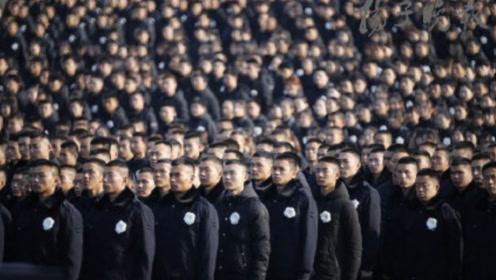南京全城警报响起!行人驻足、汽车鸣笛为死难同胞默哀一分钟