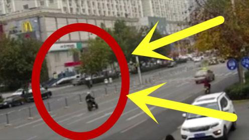 男子骑摩托车百米冲刺闯红灯,外卖小哥毫无防备遭撞飞!