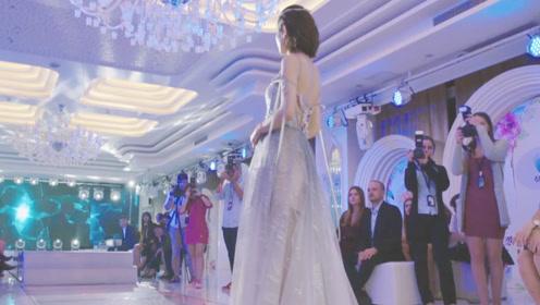 灰姑娘临时救场,亲自穿着婚纱走秀惊艳众人,总裁被迷得目不转睛