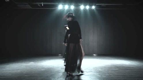 A妹新歌热舞《男友》,用动作痛诉渣男爱!