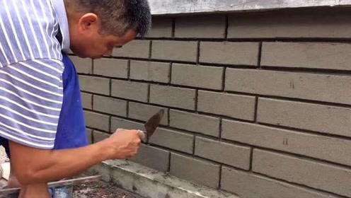 实拍泥瓦匠给围墙造型,这手艺太厉害了,还收徒弟吗?