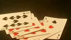 大佬赌桌上威胁荷官,看荷官如何机智应对