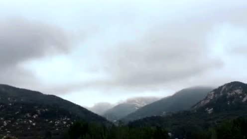 挺时拍摄暴风雨后的费县蒙山