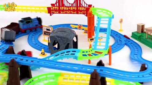 托马斯双层电动火车轨道  搭建一个属于孩子的轨道世界
