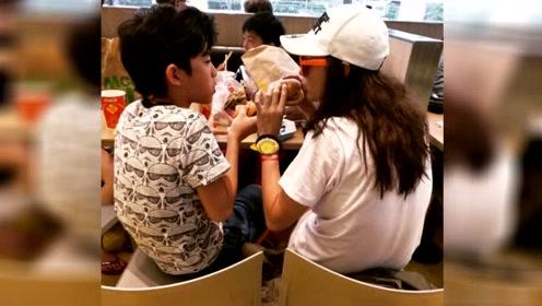 张柏芝和儿子比赛吃汉堡 lucas狼吞虎咽完胜