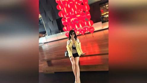 赵雅芝发文送祝福晒美照,逆天大长腿超抢镜
