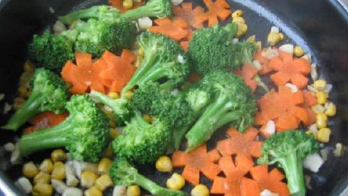 三岁宝宝不爱吃蔬菜,妈妈用了这个方法,宝宝从此爱上吃饭!