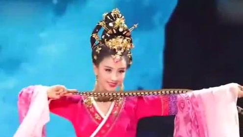 看佟丽娅最美的四段舞蹈!
