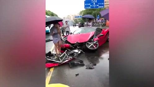 女司机雨天驾驶法拉利失控 S形漂移猛撞宝马