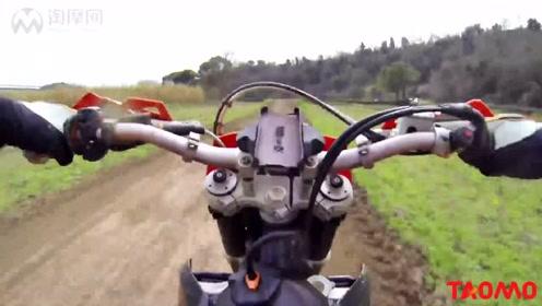 越野摩托车场地练习实拍,KTM 250 EXC很好骑 摩托车快报