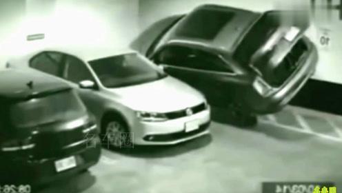 停车场拍下这神级人物的停车技术!