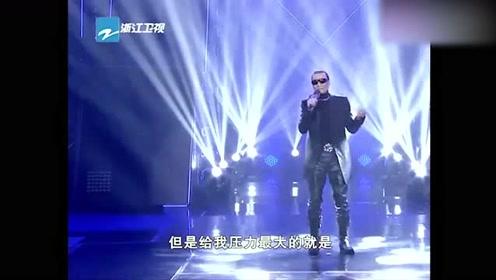 谢贤出场唱《因为爱所以爱》比谢霆锋更霸气,老爷子依旧帅气