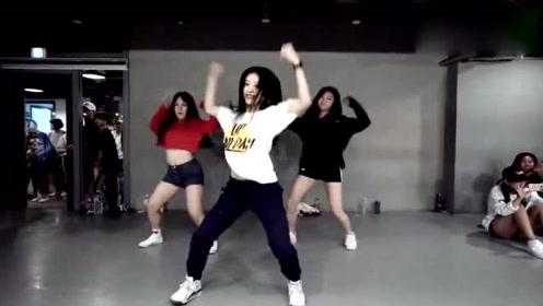 街舞万岁,跳舞使我快乐,希望你也喜欢
