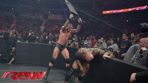 WWE巴蒂斯塔和兰迪大战,丹尼尔暴揍莱维斯克,他直接清掉所有对手!