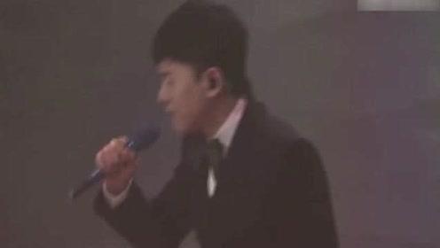 张杰的唱功是真的厉害,伴奏断了仍然能hold住全场!