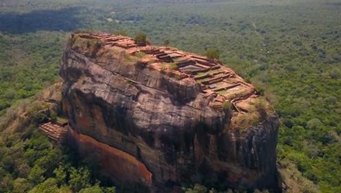 建在空中的城市,悬立在180米的巨岩上,深藏密林几千年
