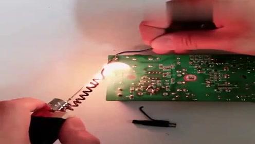 这些你见过吗,线路板电头脱落没有烙铁焊接怎么办?师傅教你一招