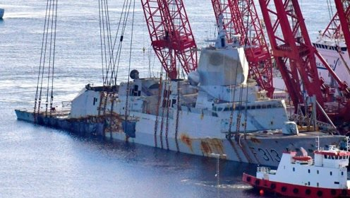 """中国制造的""""巨无霸"""",助挪威打捞沉没4个月的战舰"""
