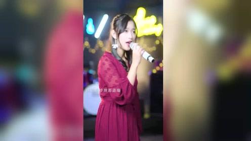 亮声王晴:推荐一首好听粤语歌曲《喜帖街》希望大家喜欢