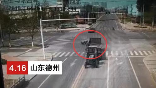 禹城消防员出警途中遇车祸 十字路口救下受伤老人