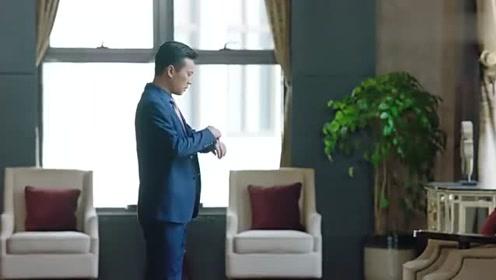 男子出来后就很是气愤,一点都不懂中国人,大舅哥要跟他打配合