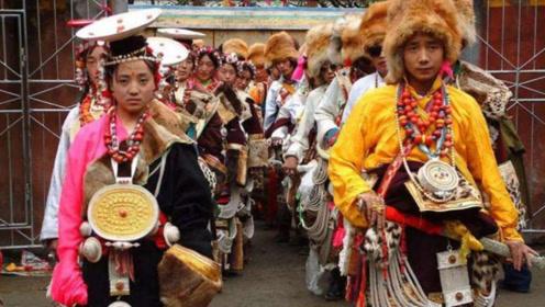 中国最神秘部落,仍保留男不娶女不嫁的习俗,那如何繁衍后代?