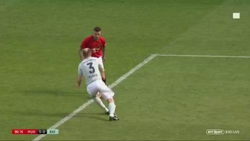 曼联传奇队5:1拜仁传奇队进球集锦,贝克汉姆长传精准还进球