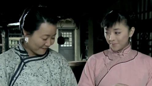 朱开山家的儿媳妇真贤惠,跟婆婆学干活,还说一点都不难!