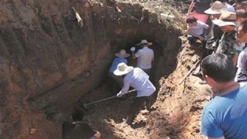 """神秘古墓挖出""""蛟龙"""",9尊青铜巨鼎镇压,直呼:传说是真的?!"""