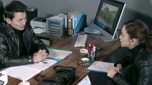 《何人生还》速看17:凶手突然杀害李万祥 靳峰逃过警察的抓捕