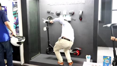 上海CES电子消费品展:共享电动滑板车