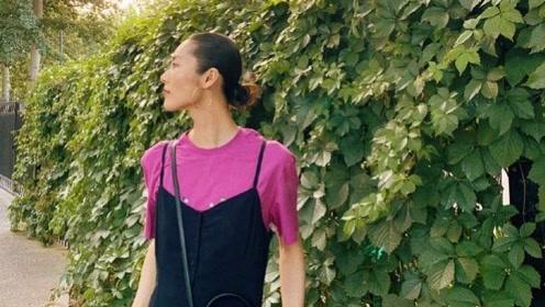 刘雯也有hold不住的衣服,玫红色T恤吊带裙超模都变路人