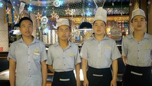 充实!4男生高考完就进餐厅打工:增加社会经验比赚钱重要