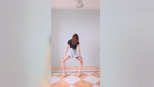 看到跳舞妹子的背影就忍不住点了进来,身体好棒!