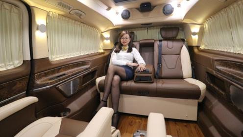 内饰改装完贵了30万,花一台埃尔法的钱买奔驰V级房车