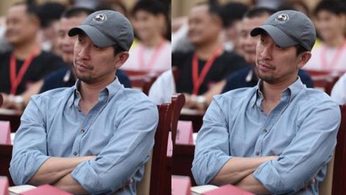 王千源回应高片酬争议:不需靠演戏之外的事成热点