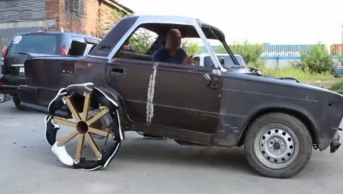 """最奇葩的汽车,轮胎用阿迪跑鞋制成,网友:新型""""按摩椅"""""""