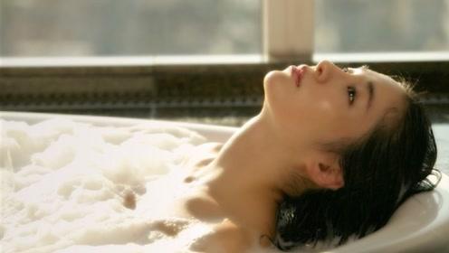 为啥老外习惯早上洗澡,而中国人是晚上洗澡?答案和你想的不一样