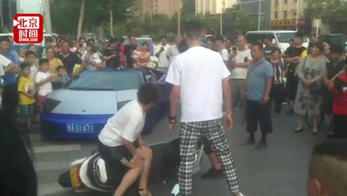网红开兰博基尼拍车祸段子 交警:核实如违法将处罚