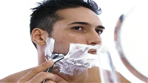 男人刮胡子一定要避开这3个时间,好多人还不清楚,看完长个记性