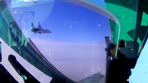 俄罗斯米格-31BM高空截击机首次在近太空平流层演练空战