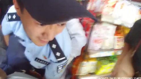男子触电心跳呼吸停止20多分钟  民警全程施救累瘫在地