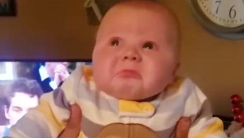 爸爸连亲宝宝2次后,宝宝有些不淡定,接下来的表情令众人笑翻