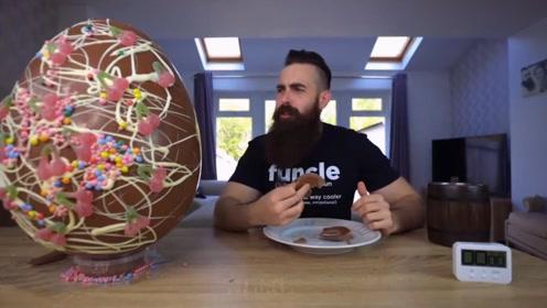 年度最委屈主播!被粉丝坑惨了,巨大巧克力蛋只吃了三分之一