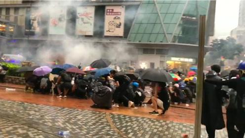 守护香港止暴制乱!8月25日发生了什么?120秒速览暴力局面