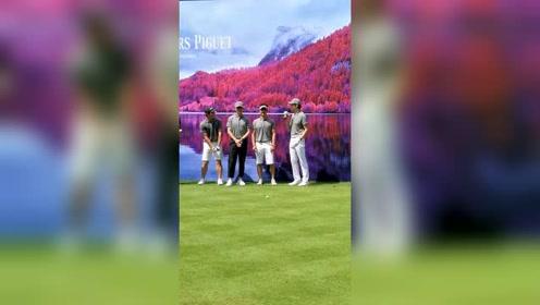 吴奇隆钟汉良聂远忙里抽闲一起打高尔夫,这么看隆哥的姿势很...