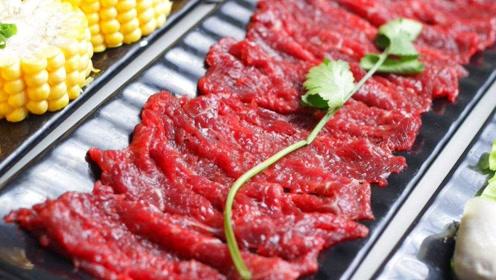 假牛肉如何制成的?小哥高度还原,制作画面让人不敢置信