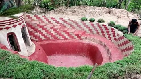 这样古典的泳池,给小伙一个亿都舍不得卖